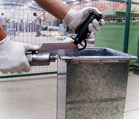 Cravadora hidráulica para perfil